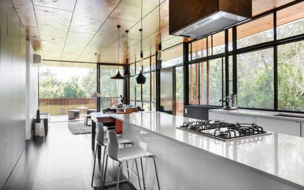 nachhaltiges strandhaus passive solarenergie und nat rliche ventilation formen das gr ne haus. Black Bedroom Furniture Sets. Home Design Ideas