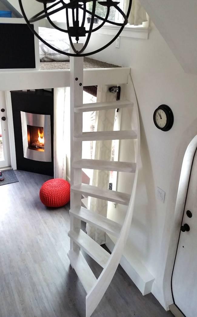 esk et tiny house innovatives transportables haus f r den mobilen lebensstil. Black Bedroom Furniture Sets. Home Design Ideas