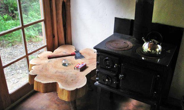 mitten im wald ein tiny house f r dollar. Black Bedroom Furniture Sets. Home Design Ideas