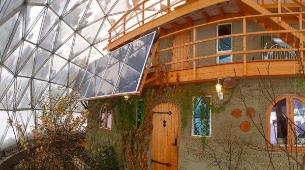 Geodätische Kuppel Selber Bauen diese familie lebt in einem sich komplett selbstversorgendem biodome